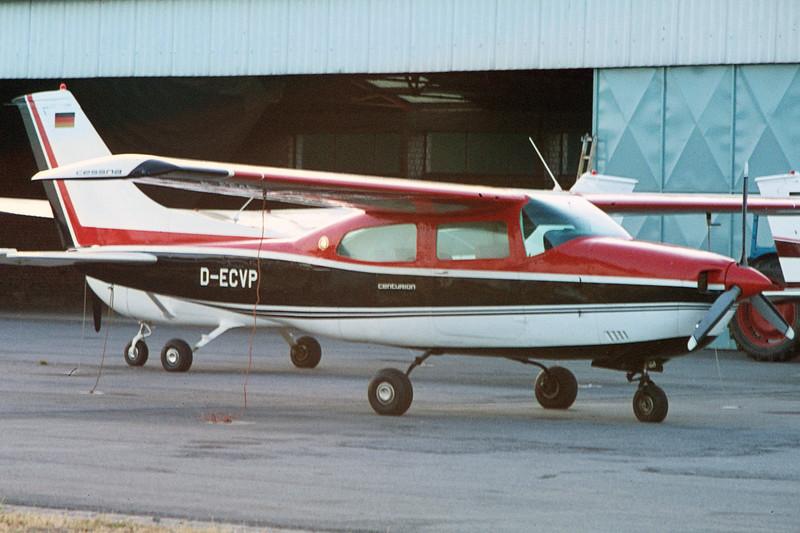 D-ECVP-Cessna210LCenturion-Private-EDWO-1973-AF0017-KBVPCollection.JPG