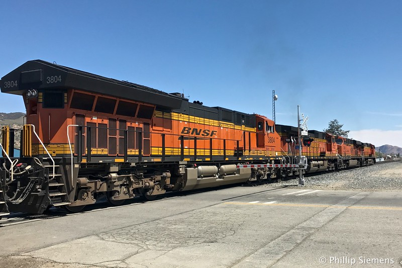 Four of the six locomotives, east-bound in Tehachapi