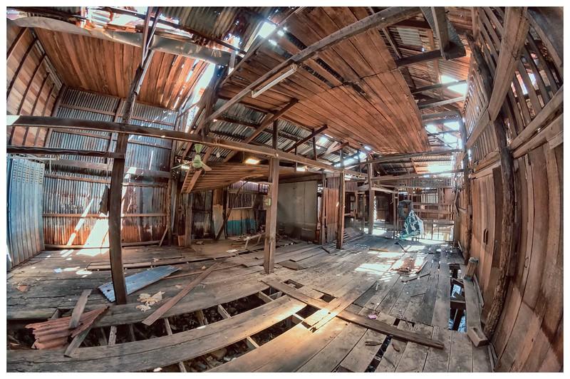 inside-the-old-river-market_28125600573_o.jpg