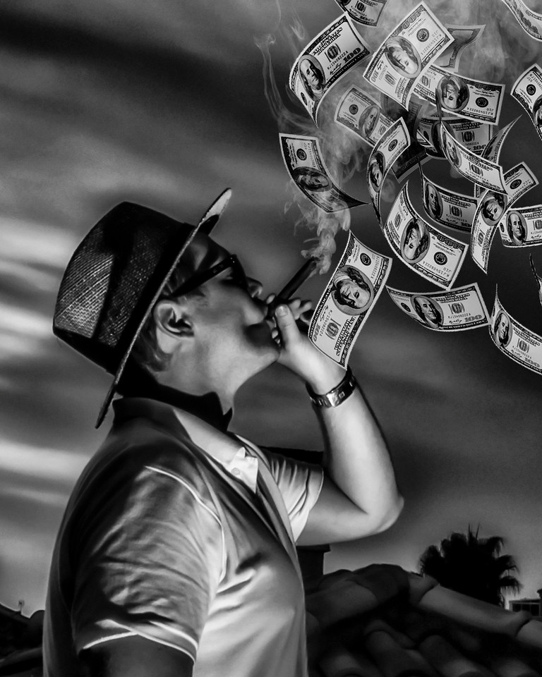 Penger opp i røyk