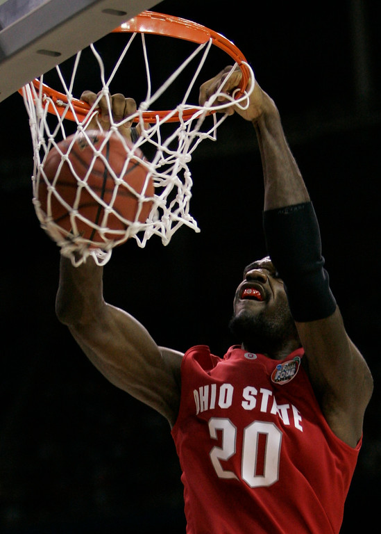 . Ohio State center Greg Oden dunks the ball during the second half of the Final Four basketball championship game against Florida at Georgia Dome in Atlanta, Monday, April 2, 2007. (AP Photo/Eric Gay)