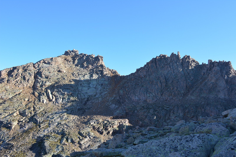 Looking back towards Sunlight Peak (14,059ft = 4.285m) – left.