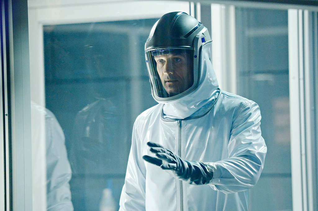 """. Billy Campbell as Dr. Alan Farragut in \""""HELIX.\""""  The new thriller premiers Jan. 10 with back-to-back episodes on SyFy. (Photo by: Philippe Bosse/Syfy)"""