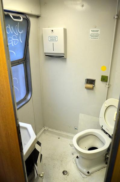 DSC_0758-toilets.JPG