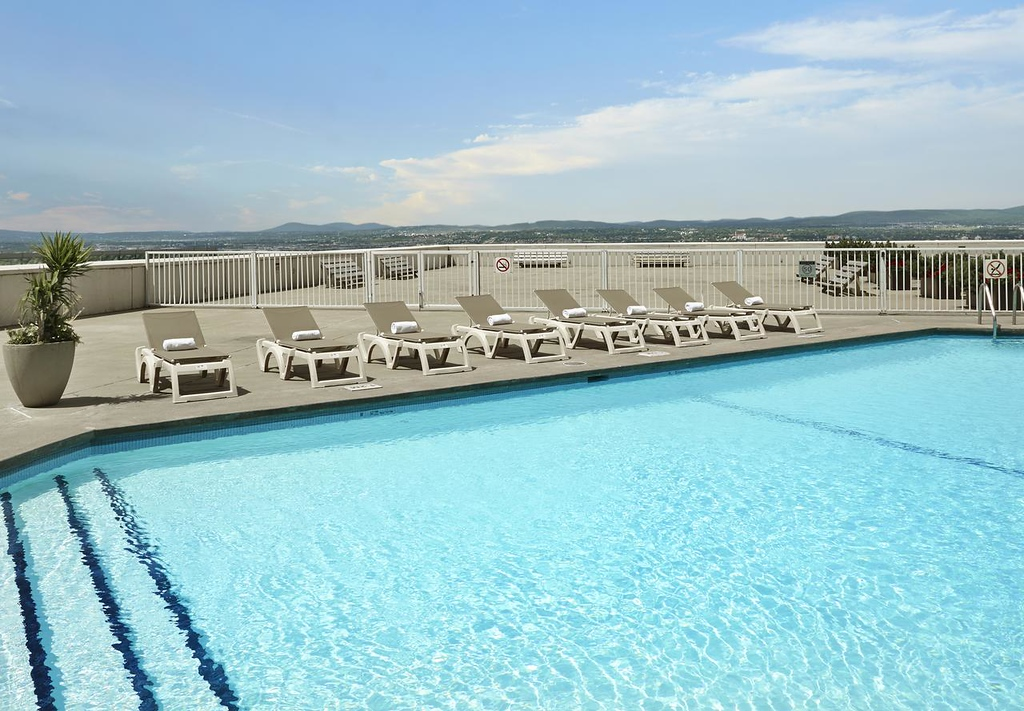 Quebec City Hotels with a Pool: Hilton Quebec