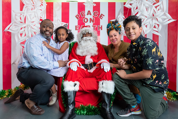 Santa Clause at the Sugar Hill Children's Museum of Art & Storytelling