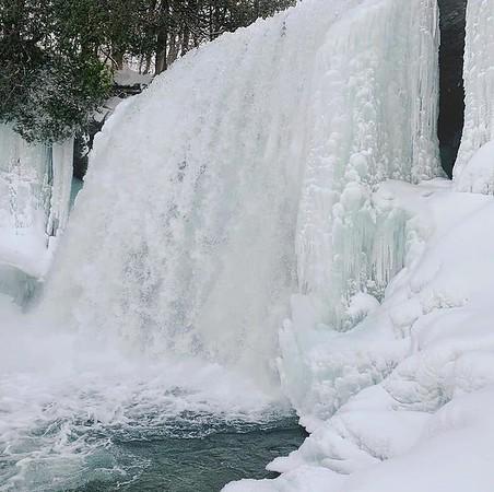Bridal Veil Falls - Ontario Winter Hikes
