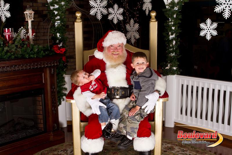 Santa Dec 15-184.jpg