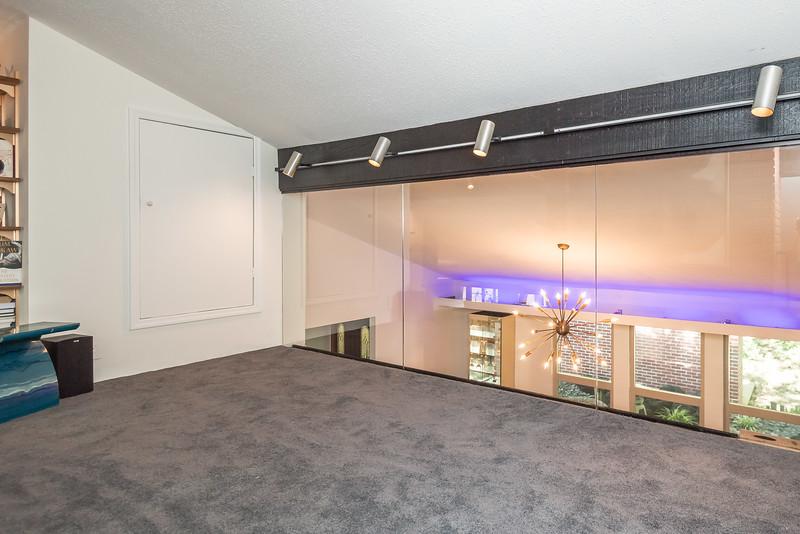 Next Project Studio - Isle View Glass Hand Rail (19 of 22).jpg