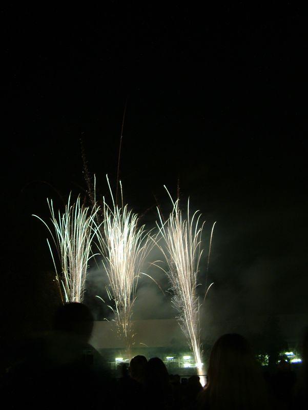 2004_1105putneyfireworks20065.JPG