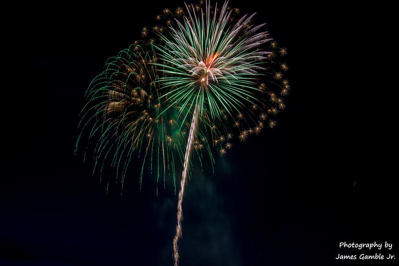 Fourth-of-July-Fireworks-2016-0339.jpg