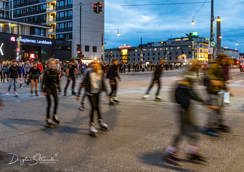 Thousands Rollerblading