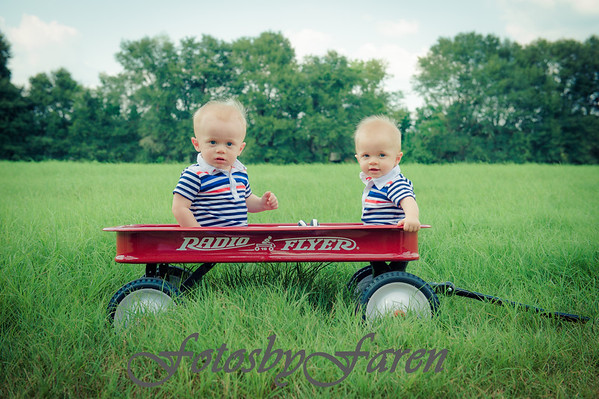 Calvin & Cameron are 9 months!