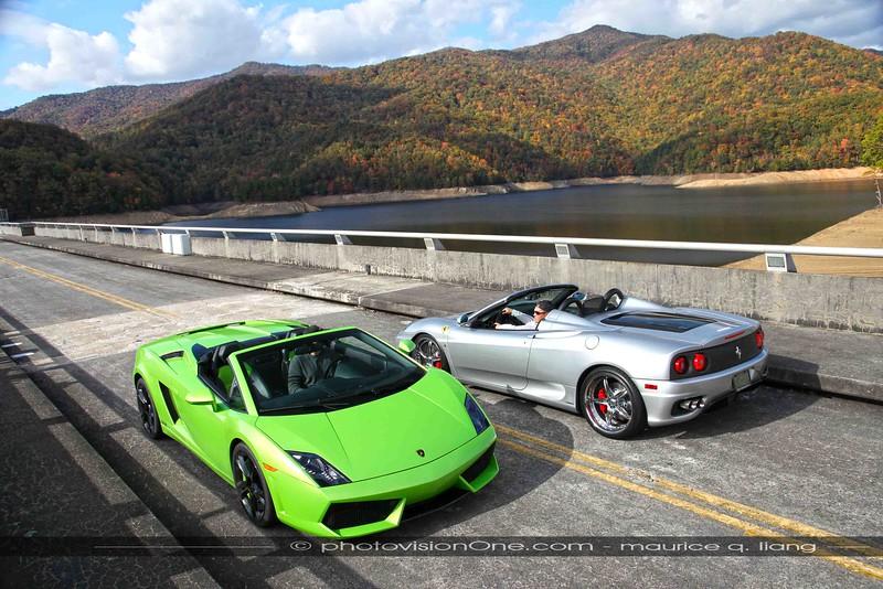 Lamborghini Gallardo meets Ferrari 360 on a bridge in Tennessee.