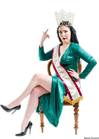 1404 Isabella Darling