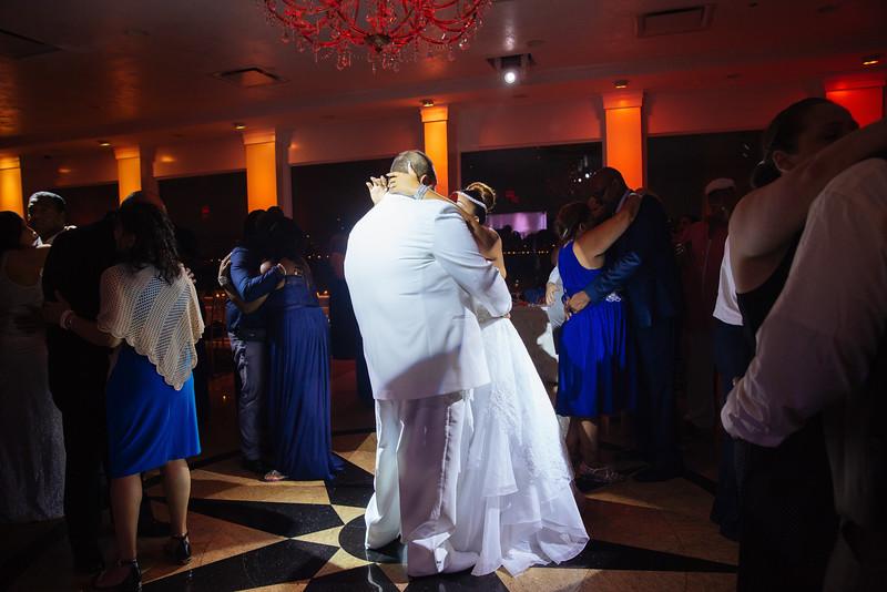 MER__1326_tonya_josh_new jerrsey wedding photography.jpg