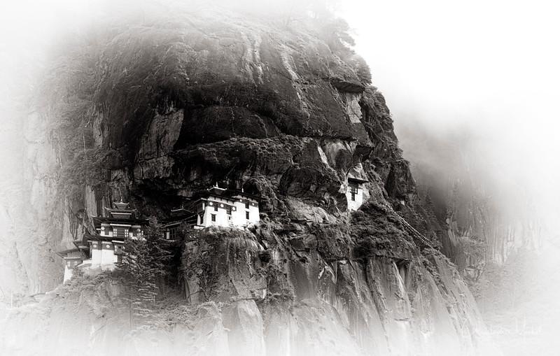 Paro Taktsang-tigers-nest_20120921_2297.jpg
