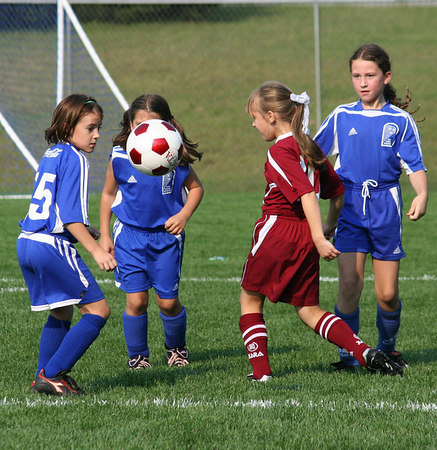 EH U10 Super Soccer Girls Take Opener!