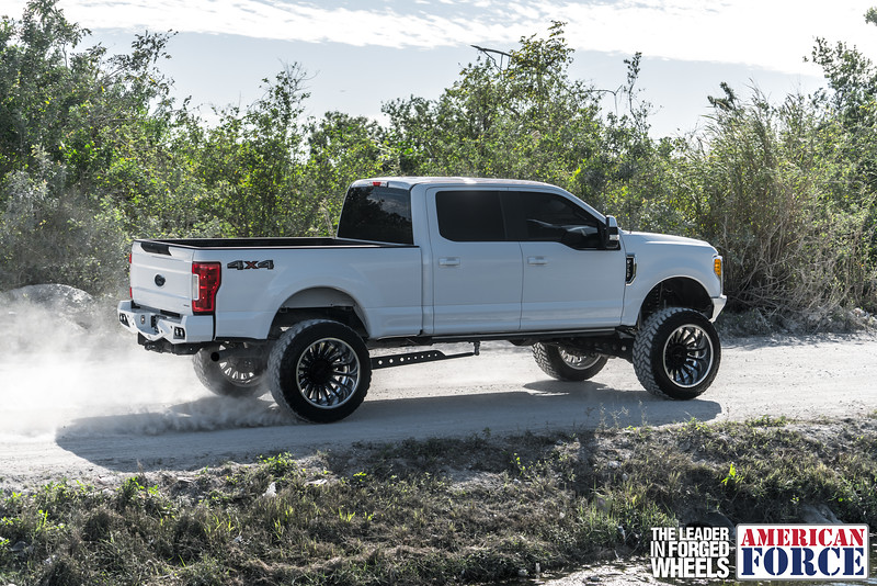 Champion4x4-Juan.S-White-2017-Ford-F250-Polish-Black-24x14-Tactical-Crown-WEB-180131-DSC00246-57.jpg