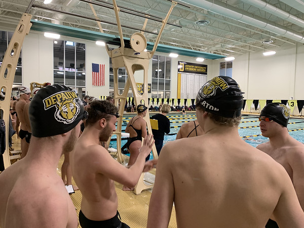 Men's Swimming vs Chicago 2019