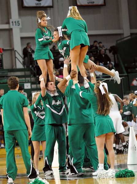 cheerleaders0933.jpg