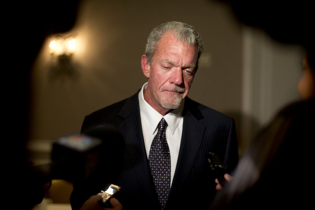 """. <p>5. JIM IRSAY <p>Is that 29 grand in your pocket, or are you just happy to see your dealer? (unranked) <p><b><a href=\'http://www.twincities.com/sports/ci_25430375/jim-irsay-colts-owner-had-29-000-cash\' target=\""""_blank\""""> HUH?</a></b> <p>   (AP Photo/Carolyn Kaster, File)"""