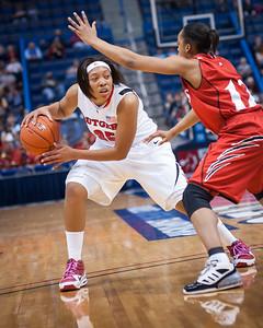 Rutgers 70 v Cincinnati 44