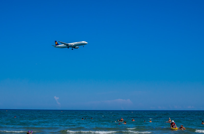 Lufthansa plane over McKenzie beach