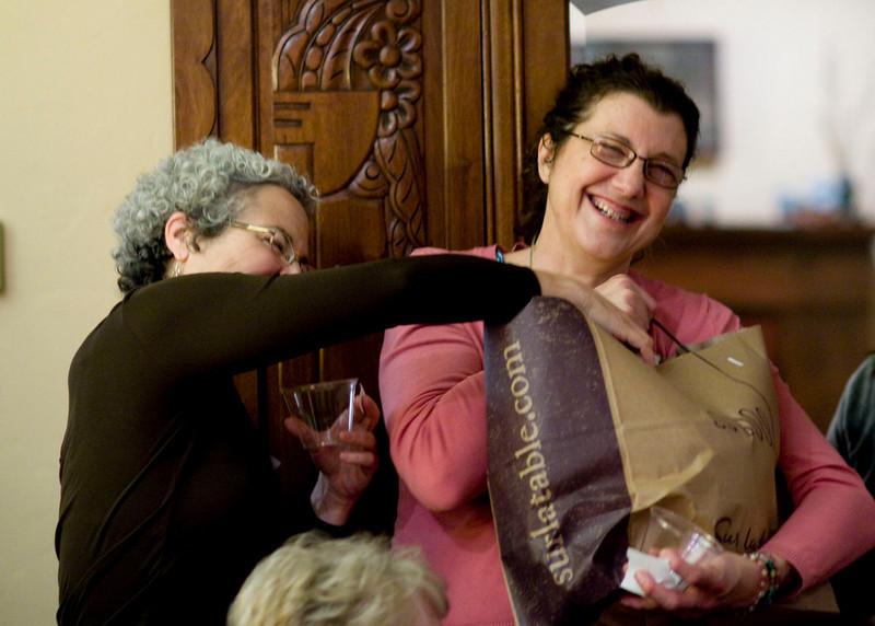 Carol finally succeeds at stealing the vase