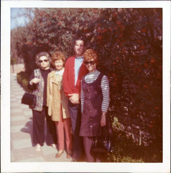 1973 Marie, Thelma  Sylvia  Kyle.jpg