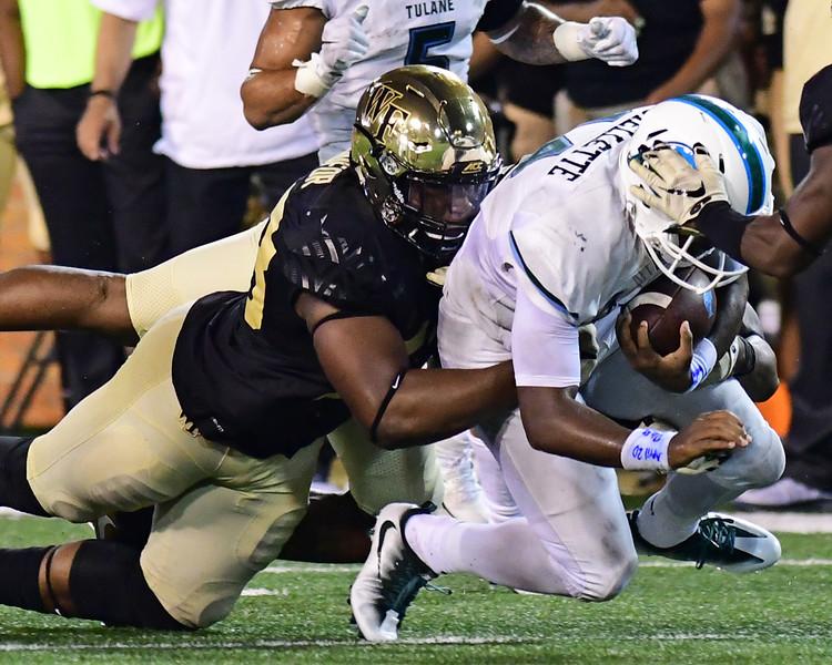 Duke Ejiofor tackles Cuiellette 02.jpg