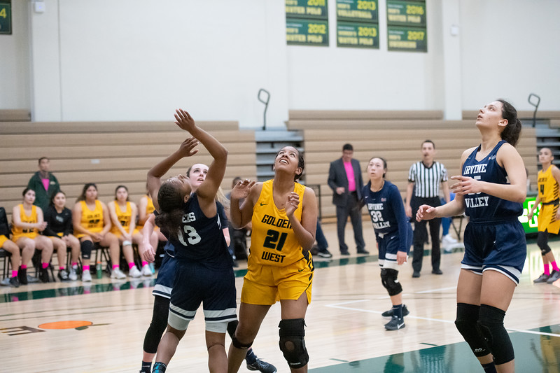Basketball-W-2020-01-31-7607.jpg