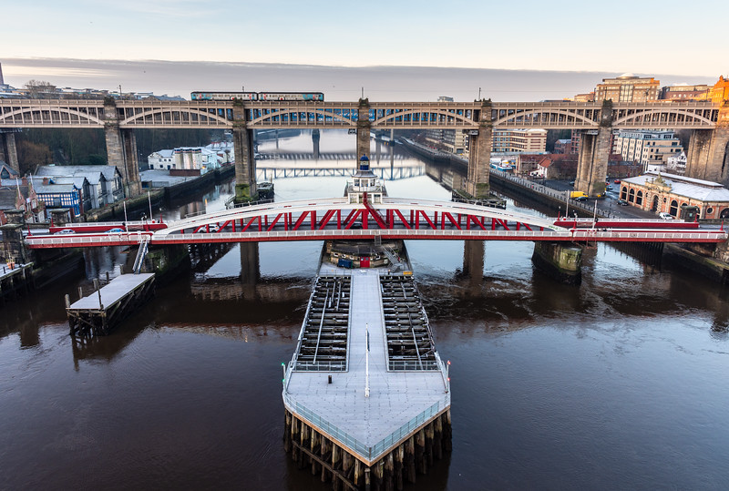 Train crossing the Tyne on the High Level Bridge