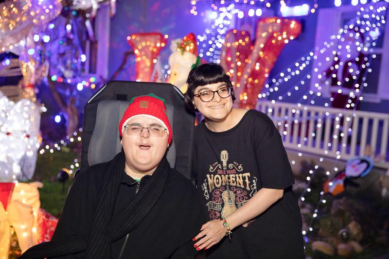 12-08-19-Christmas With Chris & Family-69.jpg