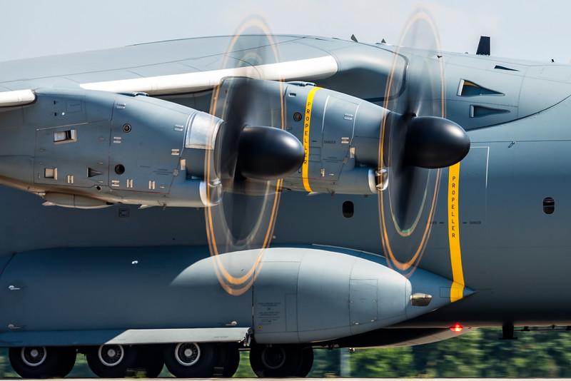 54+01-AirbusA400MAtlas-Luftwaffe-SXF-EDDB-2016-06-04-_K6A0038-DanishAviationPhoto.jpg