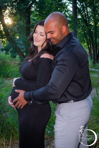 Aug 2020 - Josh & Lisa Maternity-4970.jpg