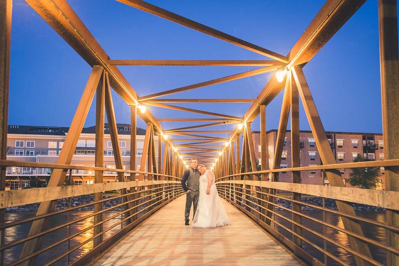 Beloit-WI-Ironworks-hotel-Wedding-Photographere_m_100.jpg