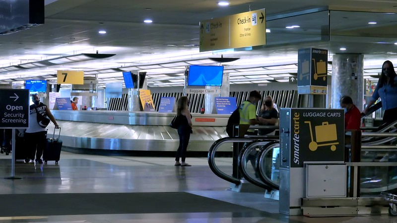 090220_Passengers_Luggage_brooroll-015.mp4