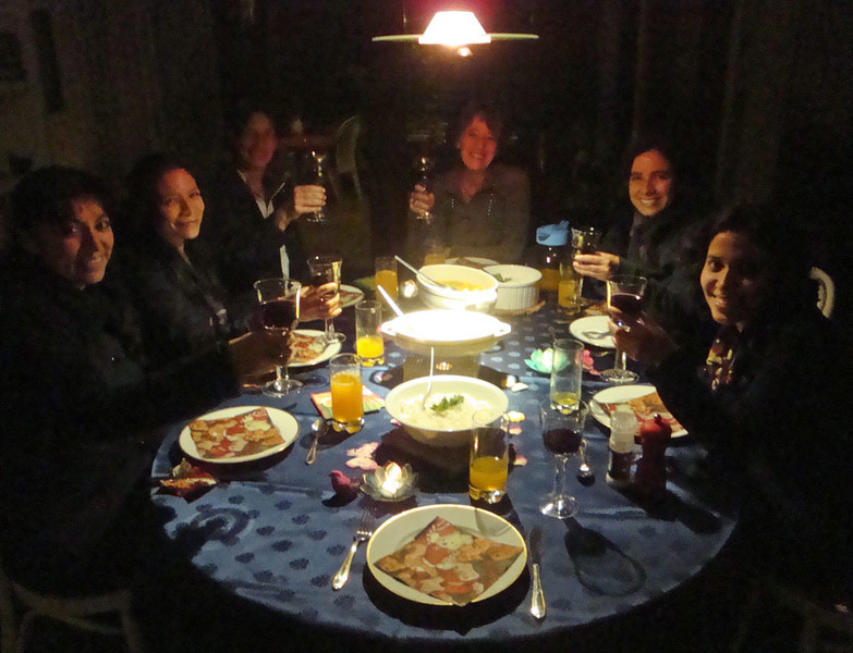 All too soon, it was time for the fairwell dinner at Corinne's home.