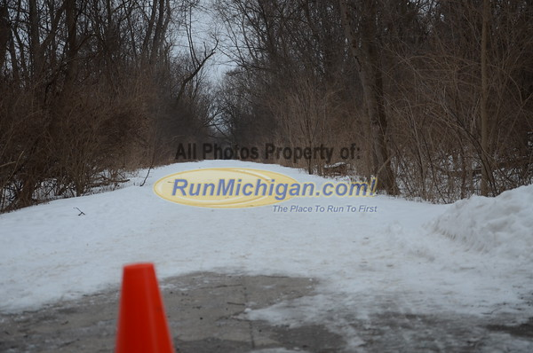 Turning onto the Trail - 2015 Chill at the Mills 5K