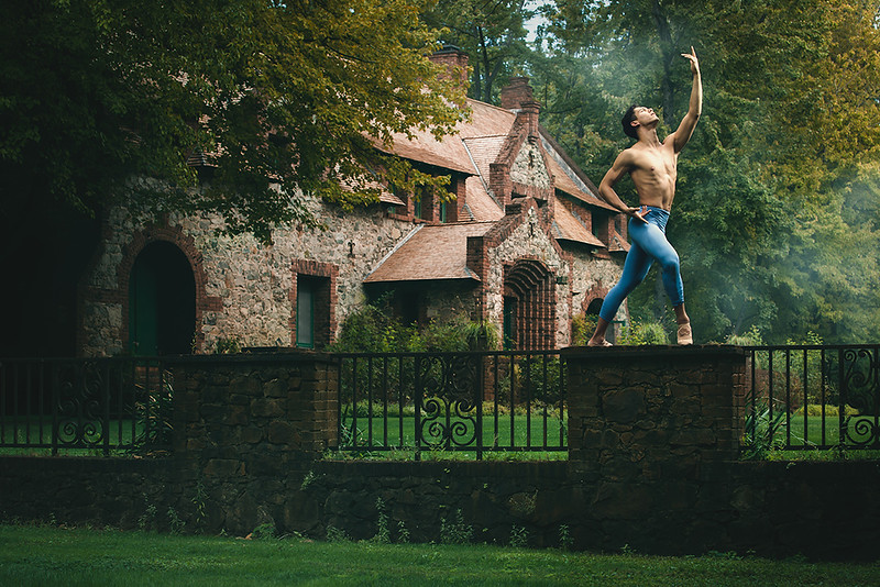 Empire-Mine-Mansion-ballet-fine-art-portrait-photography-Jason-Sinn.jpg