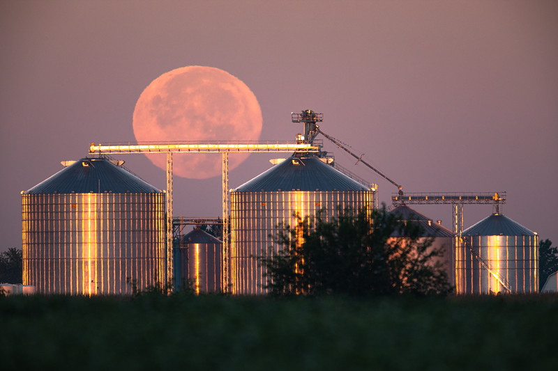 Harvest Moonset - September 14, 2019