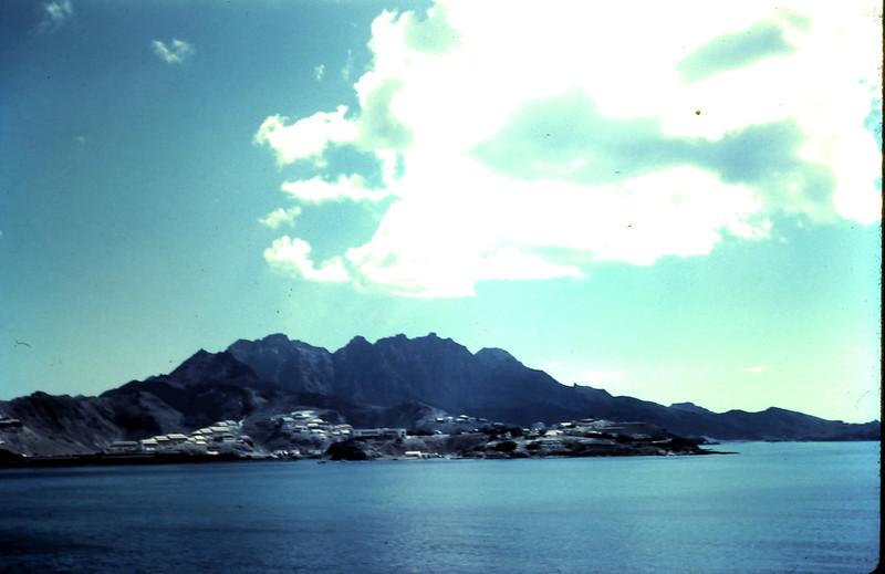 1960-2-20(16c) Approaching Aden.JPG