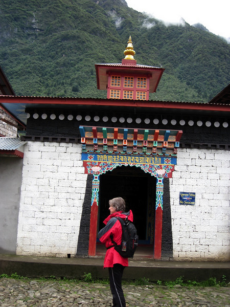 Little buddhist shrine on the outskirts of Lukla, the first of many.