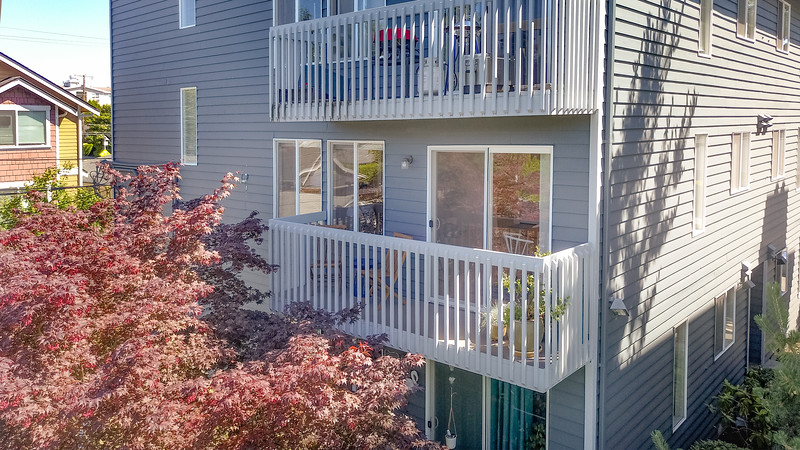 See this Gorgeous North Ballard Pointe Condo, listed by Mack McCoy and Cynthia Creasey - NiceSeattleHomes.com