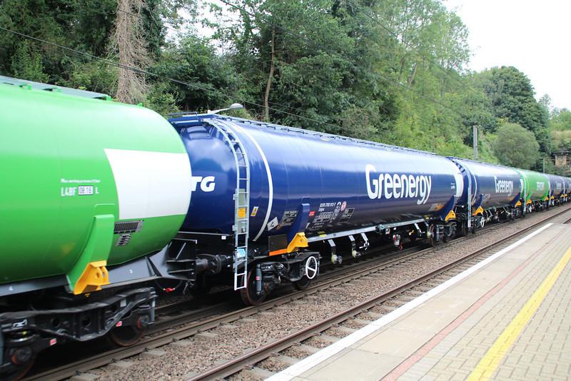 New GBRF TEA 83.70.7792012-7 on 6E92 Acton Lane-Immingham passes Welwyn North 23/08/12