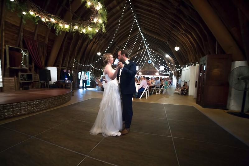 Garrett & Lisa Wedding (583).jpg