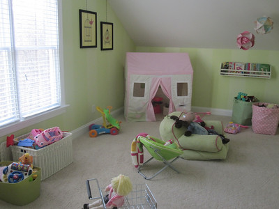 Cailee's playroom - Jan-March 2010