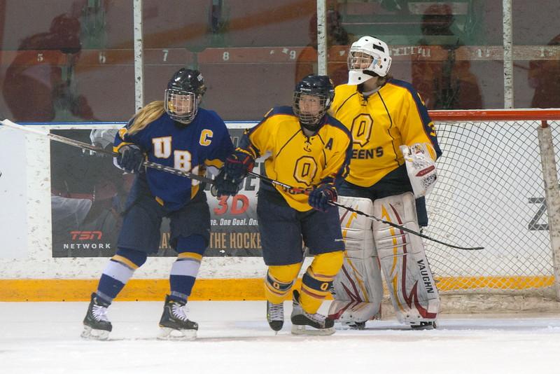 20130310 QWHockeyvsUBC 451.jpg