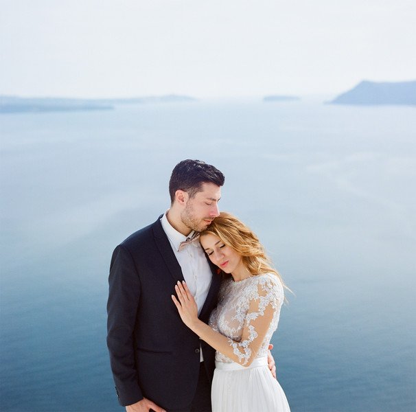 Tu-Nguyen-Wedding-Photography-Videography-Hochzeitsfotograaf-Engagement-Santorini-Oia-Greece-Thira-21.jpg